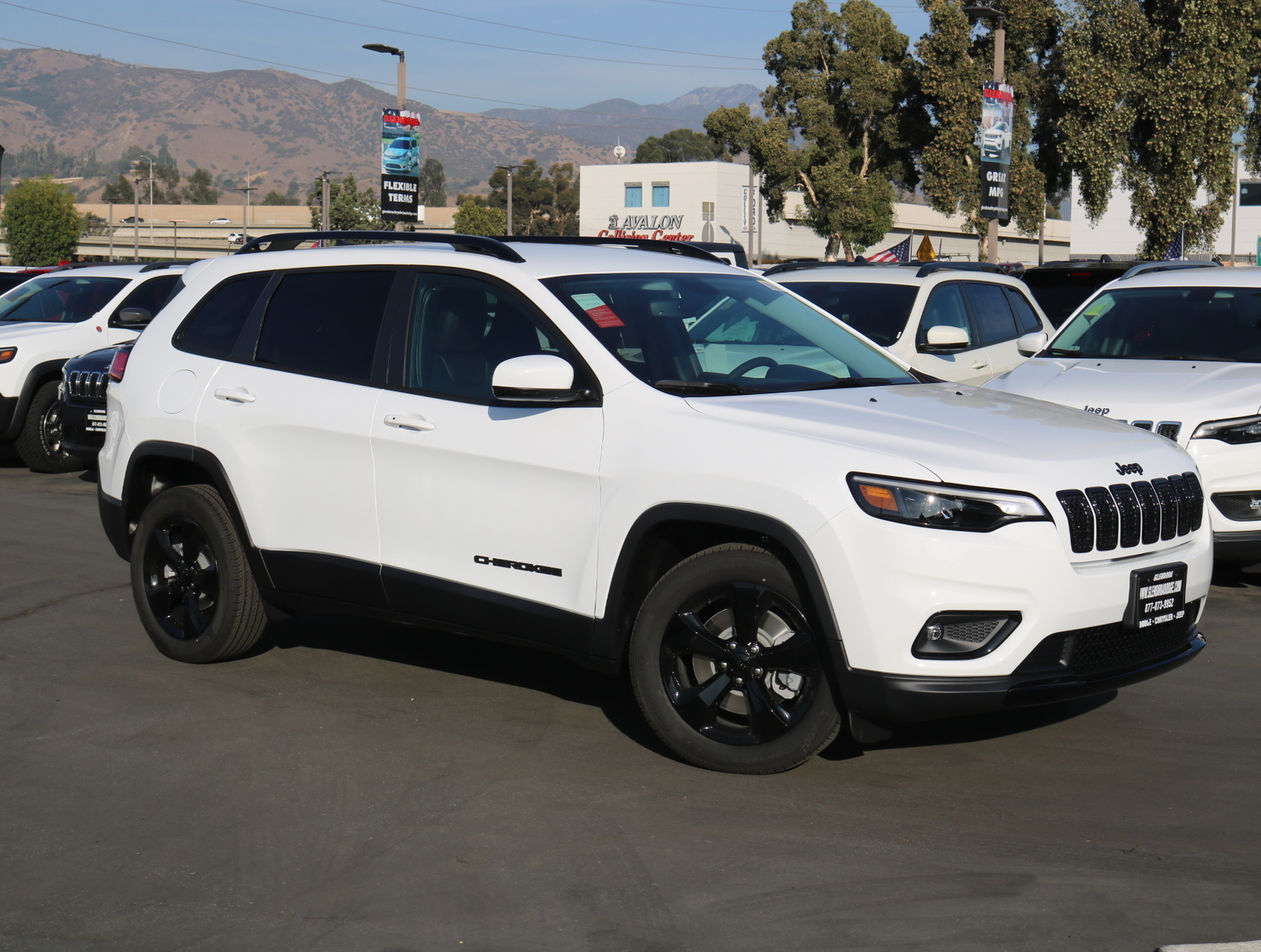New 2020 JEEP Cherokee Latitude Plus FWD